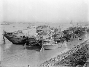 Boats on Hooghly River, Kolkata 1912-14