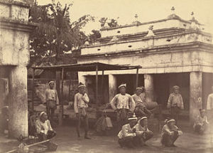King Thibaw's guards, East Gate, Mandalay Palace, 28 November 1885. Photographer: Hooper, Willoughby Wallace (1835–1912).